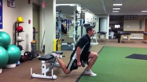 To strengthen the quadriceps (Squats with one leg)