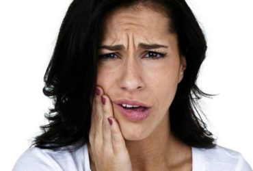 12 Natural remedies to relieve a toothache