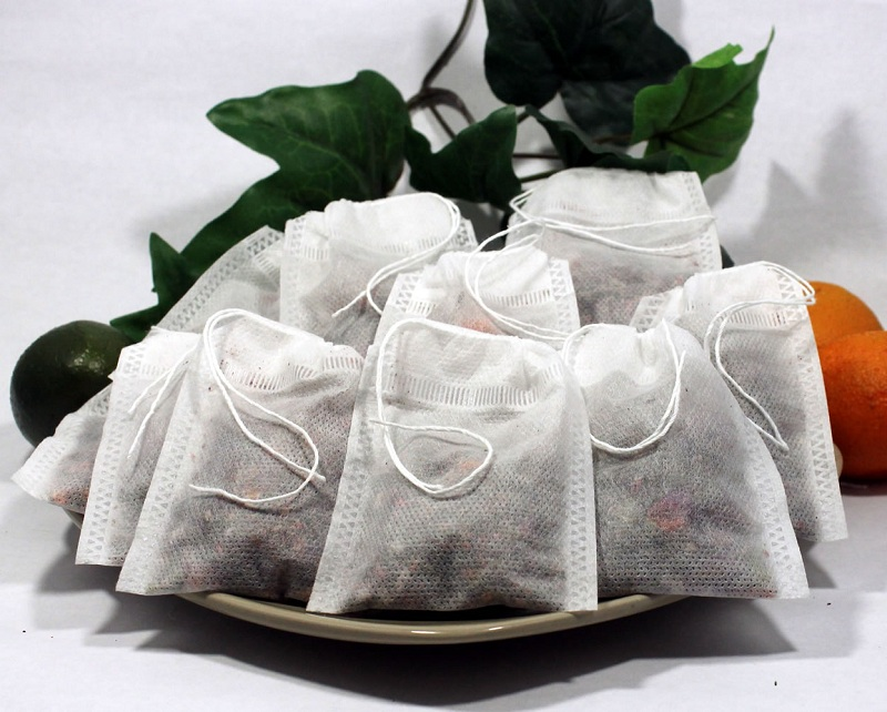 Tea bags to treat itchy eyes
