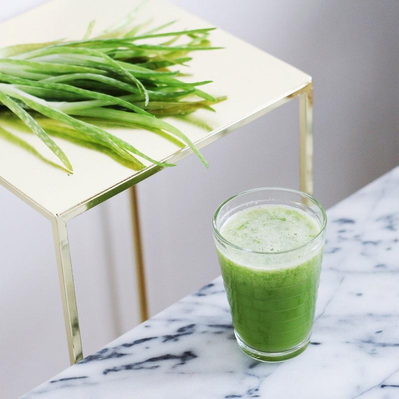 Aloe vera juice to treat itchy eyes