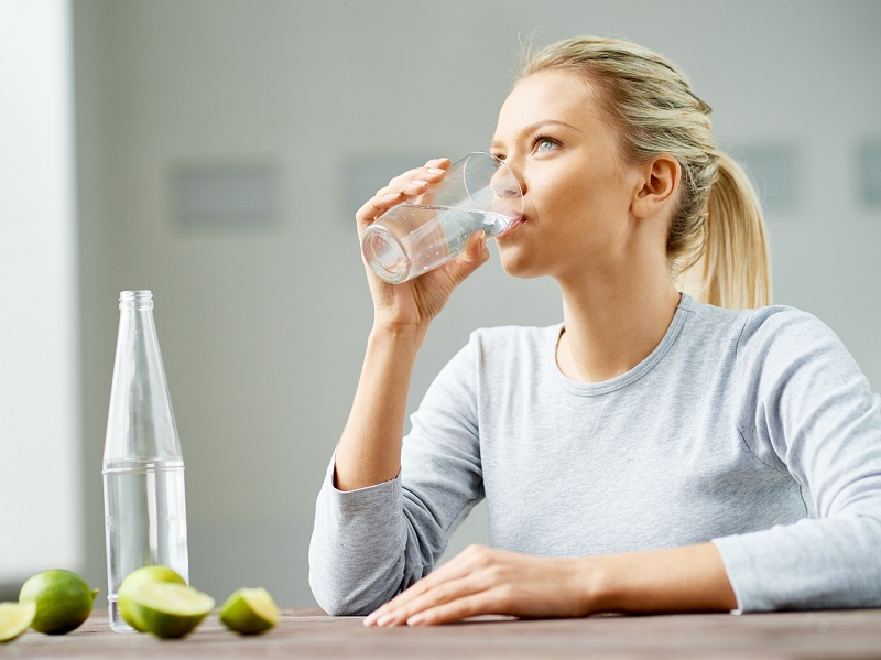 Advantages of water to maintain a healthy lifestyle